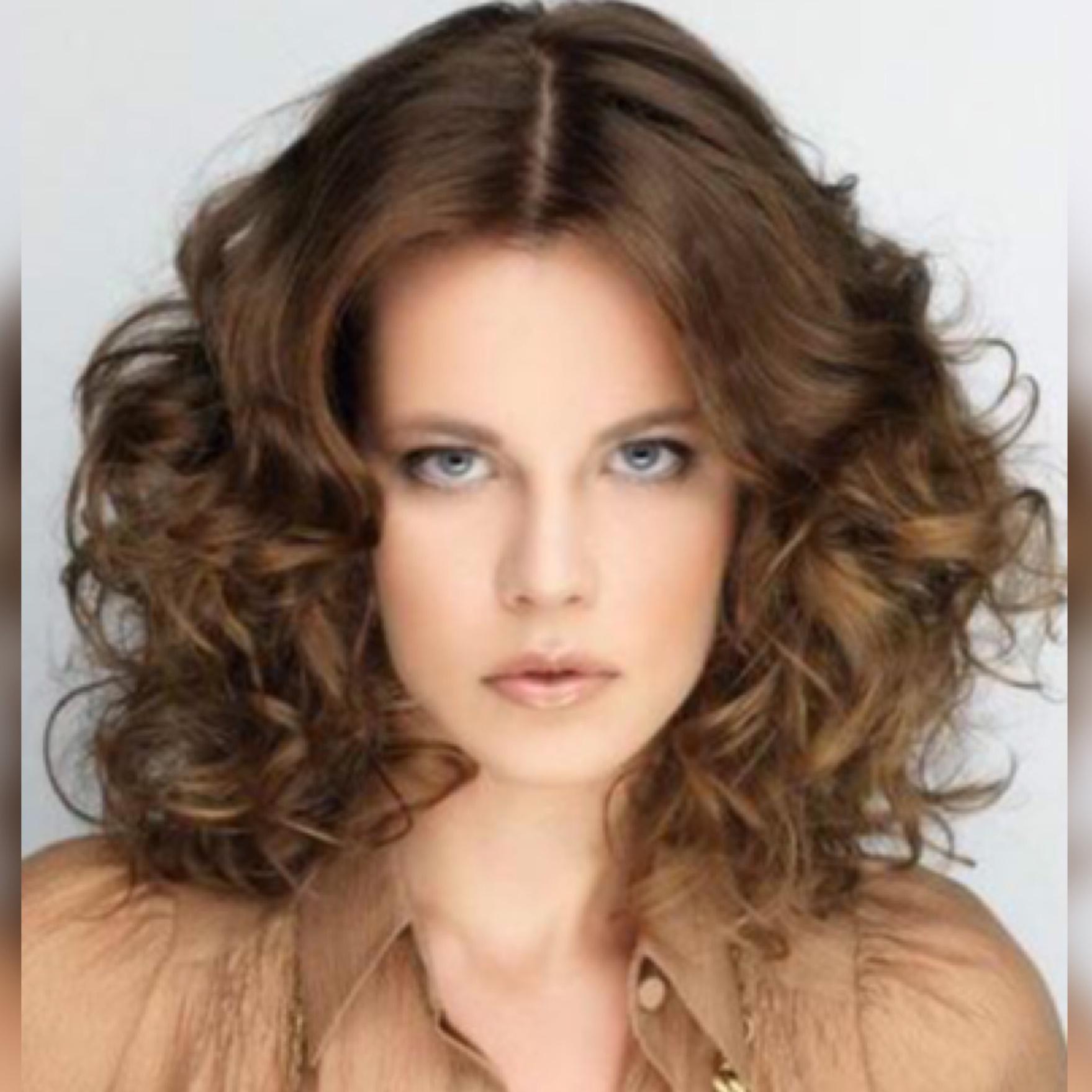 Женские прически локоны на средние волосы фото