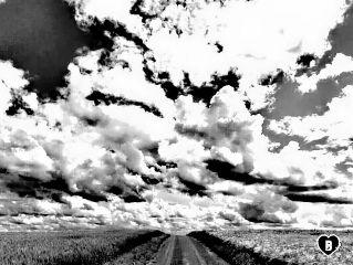 weg way wolken clouds endless