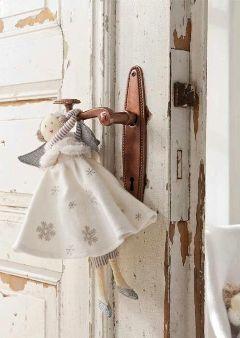 door vintage doll white
