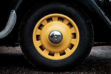 freetoedit yellow objects black round