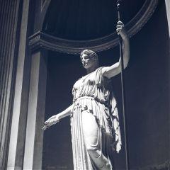 dpcblackandwhite statue museum power blackandwhite