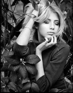 girl close eyes feeling blackandwhite