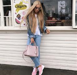 freetoedit shopping girl