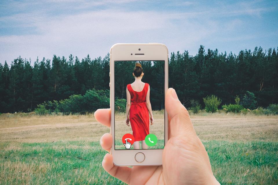 #FreeToEdit #dailyremix #phone #picture #bored #RedDress