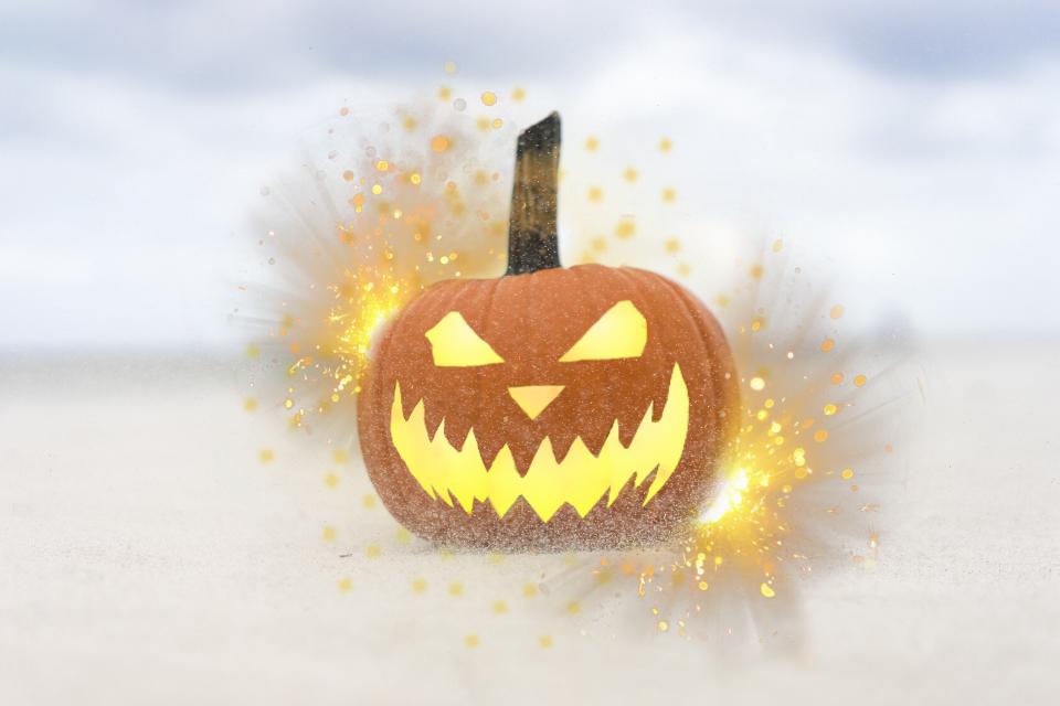 Instagram: varshannaik   #freetoedit #dailyremix #dailyremixchallenge #light #pumpkin #sky #orange #halloween #jackolantern #carved #illuminated #spooky #scary #edit #sticker #stickers #glow @pa @freetoedit