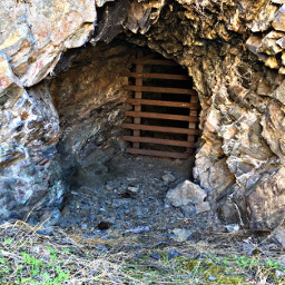 miningcave miningtown ghosttown pacificnorthwest historical