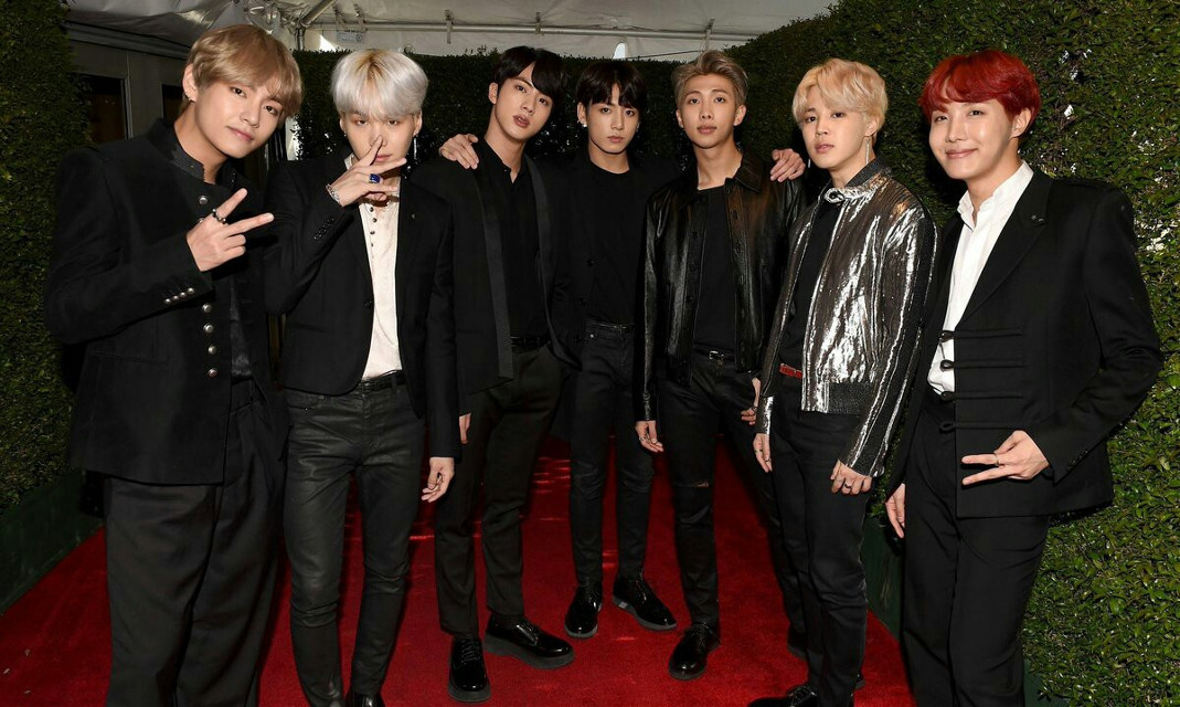 AHH THEY LOOK AMAZING ________________________________ #BTSxAMAs #BTS #AMAs