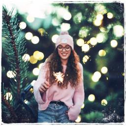girl beanie festive scenic scenery freetoedit
