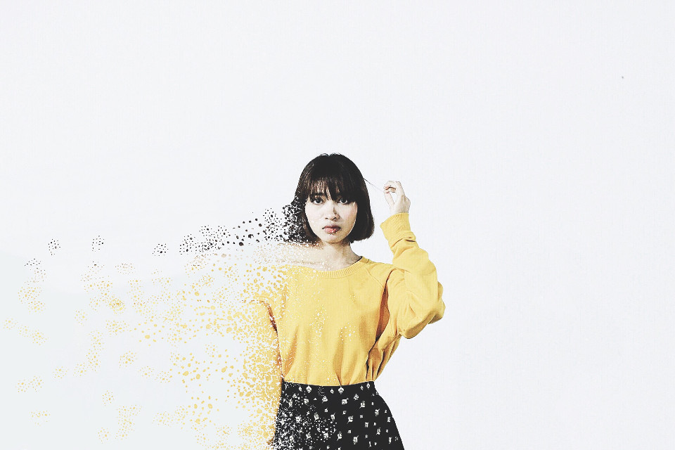 #disintegration #dispersioneffect #yellow #shirt #girl #bob #hair #skirt #black #dots #simple #hipster #broken #fadingaway #asian #vignette #cinema #interesting #dispersion #speckles