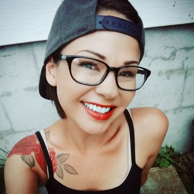 #pchats #hats #freetoedit #throwbackthursday #shorthair #snapback #redlips #selfie