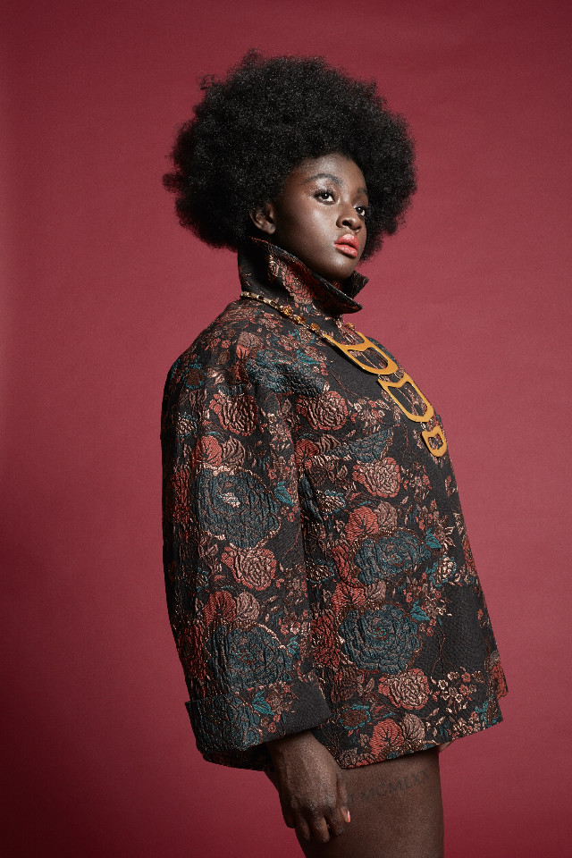 #curvy #thecurvymagazine #fashion #woman #style #photoshoot #freetoedit