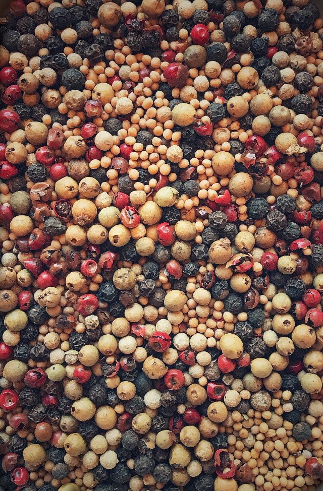 #pcdots #differentspices #mustardgrains #differenttypesofpeppercorns #dots #foodphotography