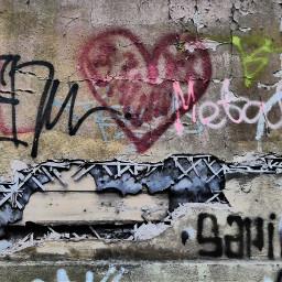 wall streetart graffity photography heart pcheartshapes