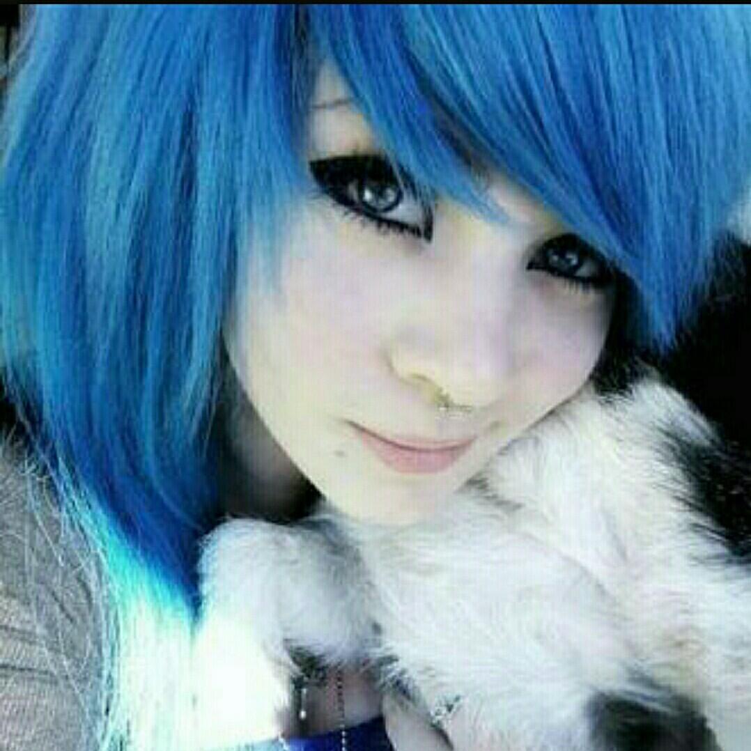 эмо девушки с синими волосами фото - 1