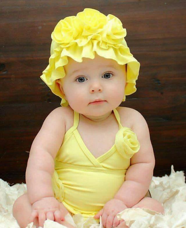 ثباحوو 😍good morning my friends السعاده للجميع 🙋 always be. smile always be happy  #girl #dress #yallow #cute #little