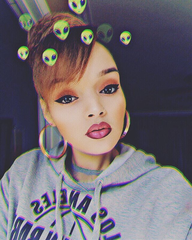 #freetoedit Lil Alien with goals 💋✨