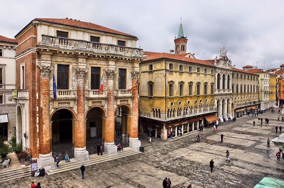 Piazza dei Signori - Vicenza #italy #italia #vicenza #vicenza-piazza #veneto #architecture #architecturephotography #hdr #hdrphotography #urban #city #travel #travelphotography