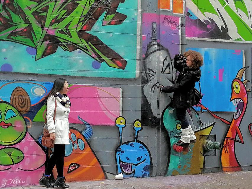 Interactions  • • 📷 : @agentsmith0047 • • #newyorkcity #nyc #manhattan #bigapple #5pointz #5ptz #photoshoot #buildings #art #graffiti #cityshots #photography #travel #freetoedit