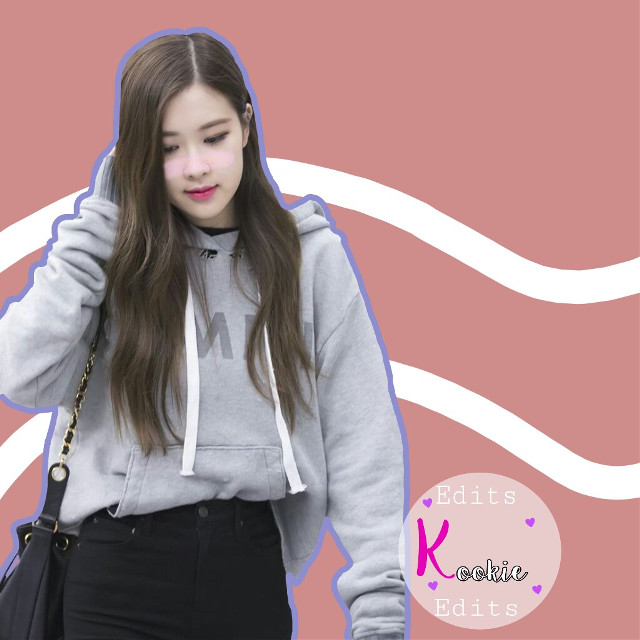 ~ Rosé Edit ~  Hello again! 😂💕  I was bored and I made another edit but this is from Rosé (Blackpink), I hope you like it! 😳💗  Thanks to @jins-hope for the video to make the white lines from behind 🙊💙  Wow thank you very much for supporting me! 💕 I'm very very grateful for all your love 😊💖  Tomorrow it's Friday, I'll bring you another layer! 😜💕  Some time ago I do not ask questions in the edits and I'm going to open it again☺🌈  💫Question What blackpink song is your favorite? and what is your bias?  🎇 Answer of mine 🎇 My favorite song is Playing whit fire and boombayah, I like all the others but these would be my favorites😂😂💕 and my bias is Jisoo😆💘  👉 open request 👈   °Español°   ~Rosé Edit~  Hola otra vez!😂💕  Estaba aburrida y hice otro edit pero este es de Rosé (Blackpink),Espero les guste!😳💗   Gracias a @jins-hope por el vídeo para hacer las lineas Blancas de atrás 🙊💙  Wow les agradezco mucho por apoyarme!💕 estoy muy muy agradecida por todo su amor 😊💖   Mañana que es viernes capas les traigo otro edit!😜💕   Hace tiempo no hago preguntas en los edits y lo voy a volver a abrir☺🌈  💫Pregunta 💫 ¿Que canción de blackpink es su favorita? y ¿cuál es su bias?🙊💜  🎇Respuesta mía 🎇 Mi canción favorita es Playing whit fire y boombayah,igual me gustan todas las demás pero estas serían mis favoritas😂😂💕 y mi bias es Jisoo😆💘  👉solicitud abierta 👈   #freetoedit #rosé #bp #blackpink #kpop #blinks #parkchaeyoungblackpink #pasta