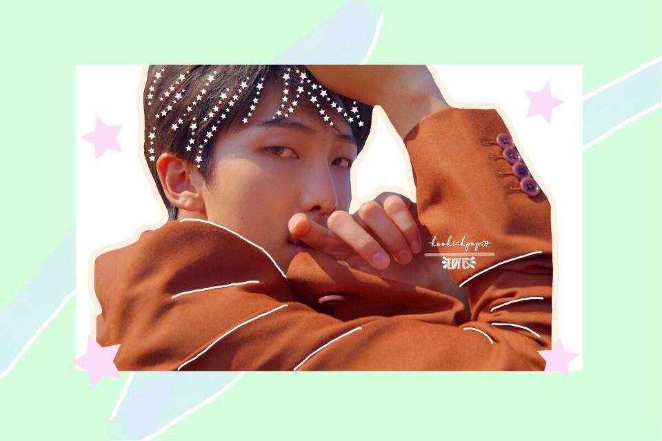 "~ Namjoon Edit ~  Hello! 💕  How are you? I'm improving my self-esteem lately🙃  I hope you like this Namjoon edit, I never put so much detail in an edit and I love this style 😱⭐  Also this edit is for the contest of @jeonsnow #jeonsnowstarcontest 💕💕 I hope you like Beauty💙💙   [👀] Did you see the BTS presentations for your comback? (Airplane Pt2, Anpanman and Fake love)  [💥] Yes, I came from my school the other day and I died to shout😂😂 I was really shocked with Airplane Pt2 and Fake love, I brought out many theories of that presentation 👀😂 And of Airplane pt2 dead, with that Latin rhythm I left Crazy😂😂💞 And its all dances, it's art! 🌚💓   And what to say about Anpanman bfjfjdjzbznd I loved it! 💞 Because of his clothes he reminded me of ""Go Go"" And very tender they left: "") Tae's voice killed me and high dr Jimin and Jungkook gave me a faint😂😂 And like Jimin He did like a thick viz (? Well, it looked great, even choking me with my food) (I was just eating)  Anyway, I loved everything 🌚❤   ~Español~   ~Namjoon Edit~  Hola!💕  Como están? Yo últimamente estoy mejorando mi autoestima🙃  Espero les guste este edit de Namjoon,nunca puse tanto detalle en un edit y este estilo me encanta 😱⭐  También este edit es para el contest de @jeonsnow #jeonsnowstarcontest 💕💕 Espero te guste linda💙💙   [👀] Vieron las presentaciones de BTS por su comback? (Airplane Pt2,Anpanman y Fake love)   [💥] Yo si,llegue de mi escuela el otro día y me mori hasta grite😂😂 Enserio quede impactada con Airplane Pt2 y Fake love,saque muchas teorias de esa presentación 👀😂  Y de Airplane pt2 Mori,con ese ritmo latino me dejo loca😂😂💞 Y sus bailes todo,es arte!🌚💓    Y que decir de Anpanman bfjfjdjzbznd me encanto!💞 por sus ropas me hizo acordar a ""Go Go"" Y muy tiernos salieron :"") la voz de tae me mato y los altos dr Jimin y Jungkook me dieron un desmayo😂💕 Y como Jimin hizo como una viz gruesa(? pues le quedó genial,hasta me atragante con mi comida 😂😂😂 (justo estaba comiendo)   En fin,me encanto todo 🌚❤   #freeto"
