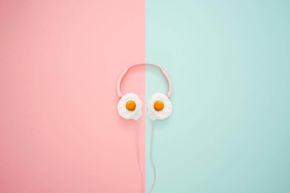 #freetoedit #friedegg #sticker #stickers #edit #myedit #simpleedit #quickedit #eggs #egg #sunnysideup #headphones #pink #blue #remix #remixit @picsart @freetoedit