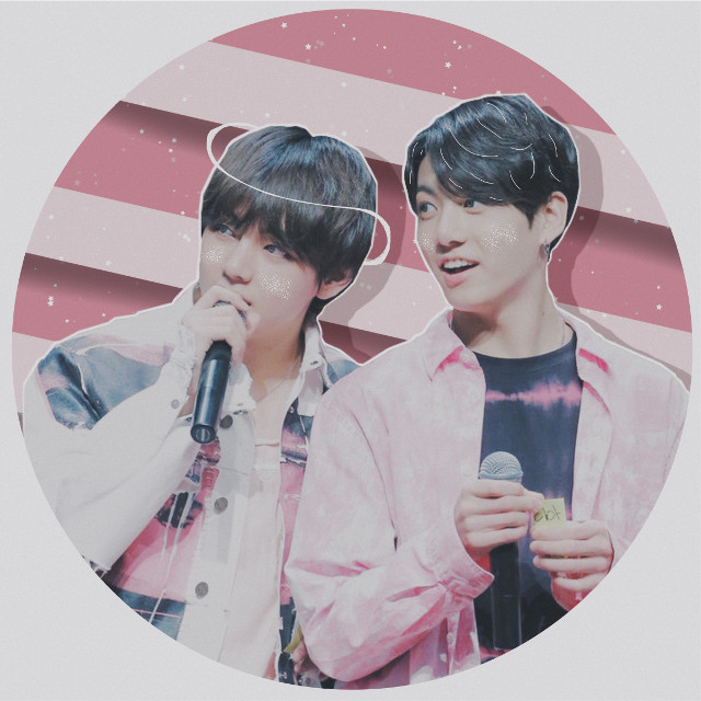 "🌺🌸 Vkook 🌸🌺  💫 "" You're so bright, you shine so brightly that it reaches outer space, without you what would i do?"" 💫  Vkook icon for @chisoo-chu ! Hope you like it! 💕💕"