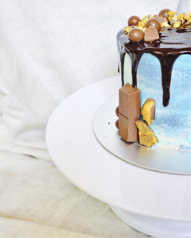 Chocolate fudge cake with a salted caramel and biscuit filling for a little extra crunch.  #freetoedit #birthday #party #wedding #art #photography #food #cake #chocolate #coloursplash #blackandwhite