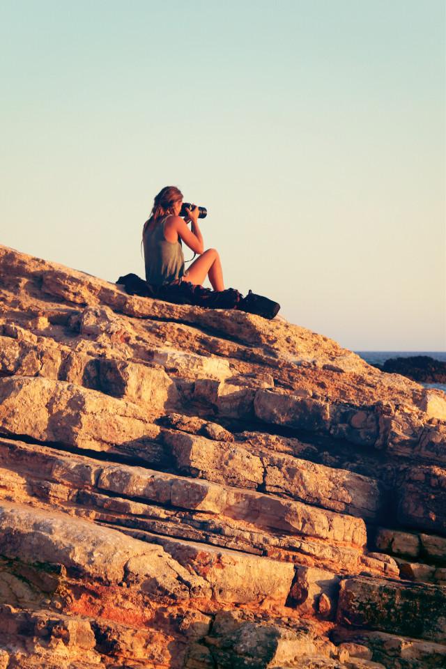 #appreciatingnature #photographingthephotographer #lateafternoonathebeach #beautifulrockformations #warmgoldenlight #naturesbeauty #peoplephotography