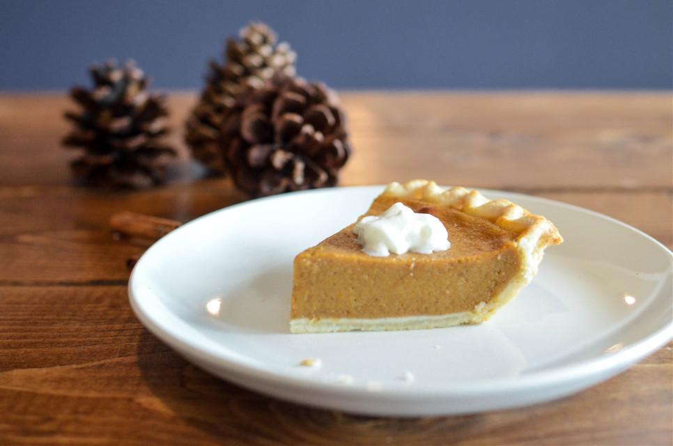 Create magic remix! Unsplash (Public Domain) #pie #thanksgiving #food #freetoedit