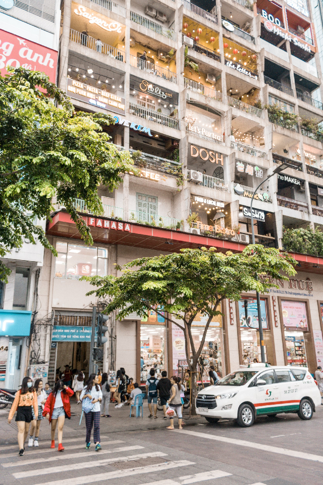 Ho-Chi-Minh City (formerly known as Saigon) has some pretty cool buildings, but this one is something else, it has more cafes, more cafes and more cafes... #lessismore  . . . . #photo #photography #photographer #photooftheday #picsart #perfect #landscape #landscapephotography #landscapephotographer #landscapes #landscape_lovers #landscape_captures #light #awesome #awesomepicture #nature #naturephoto #naturephotography #naturephotograph #naturelovers #summer #natureaddict #inspire #views #peaceful #fotoedit #idk #explore #adventure #creative #create #creativity #outdoors #canon #vietnam #tourist #city #cafe #architecture #ancient #culture #destination