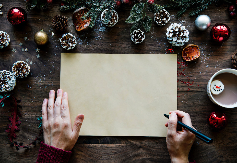 Start your day by remixing this image! Unsplash (Public Domain) #christmas #hand #hands #freetoedit