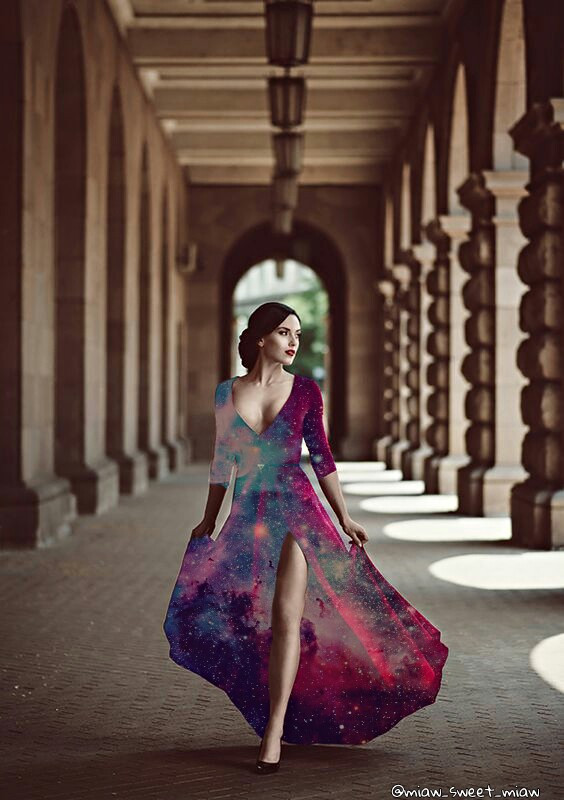 ¿Y su otra pierna? Xdd #tumblr #galaxy #galaxia #girl #chica #dress #vestido #freetoedit