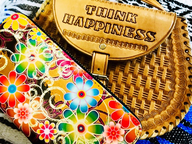 """""""Think Happiness Into Your Life!"""" 🌸🌼🌸 - - #happiness #lifeisgood #goodlife #loveyourlife #gratitude #grateful #goodvibesforever #pcbags #nofilter"""