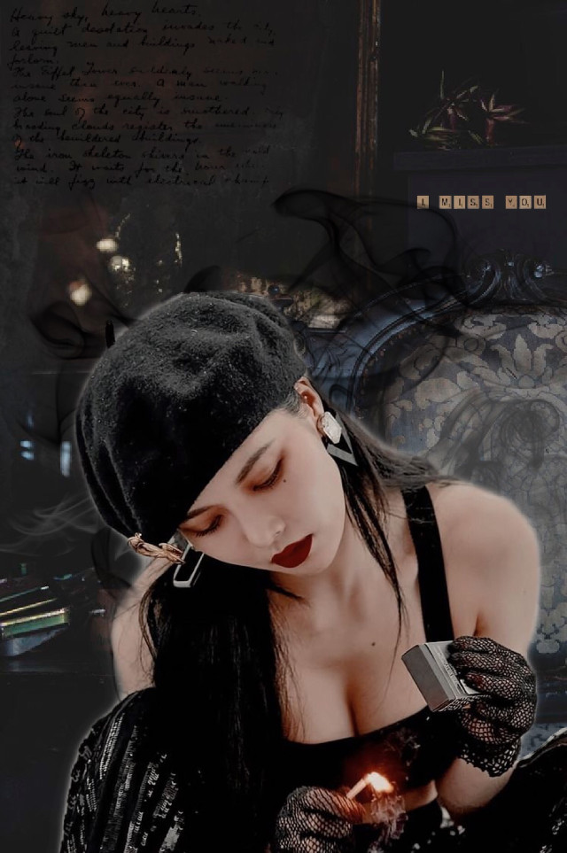 #hyuna #kpop #koreanpop #koreangirl #korea #korean #smoke #dark #darksmoke #black #gray #hyunaqueen #hyunaedit #hyuna_aa