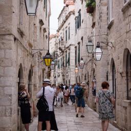 dubrovnik croatia narrow street