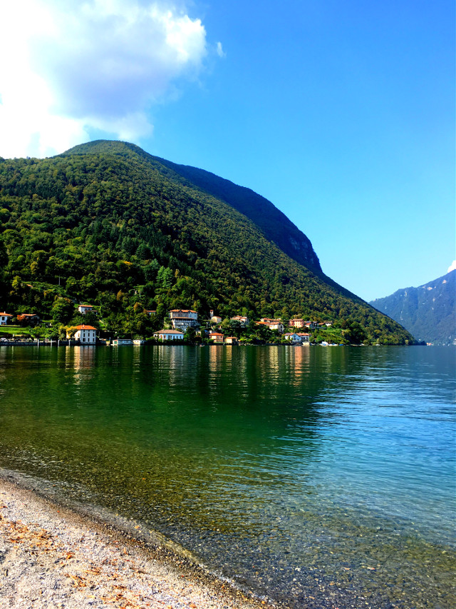 #luganolake #italy #nature #beautifulscenery #photography #freetoedit #lake #water #stillness #beach #green