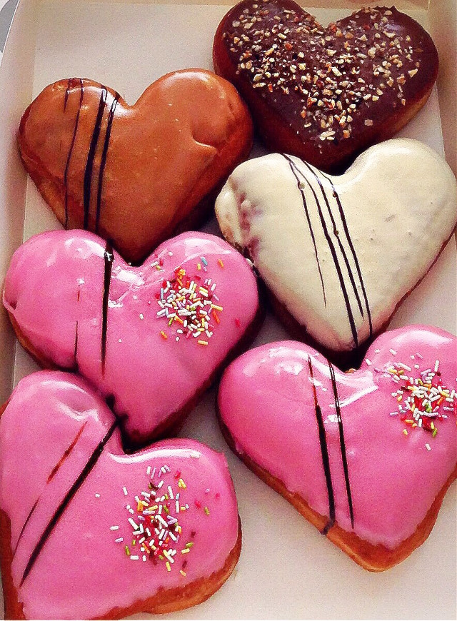 #donuts #donutslover #sweet #sweetheart #hearts #pink #party #loveit #valentinesday @iokki #pcsweet