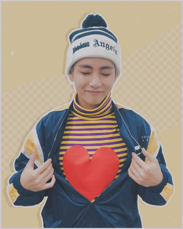 Happy Valentine's Day ❤️  on hiatus due to college ^^     cr. tae @/joonieedits   #kimtaehyung #taehyung #v #bts #bangtanboys #bangtansonyeondan #btsedit #kpop #kpopedit #btsv #aestheticedit #kpopidol #pasteledit #pastel #freetoedit