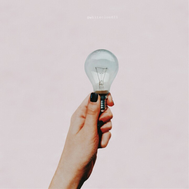 Any ideas? 💡  #freetoedit #myphoto #pclightbulb #lamp #bulb #madewithpicsart #hand #ideas #creativity #becreative #minimal @freetoedit @picsart