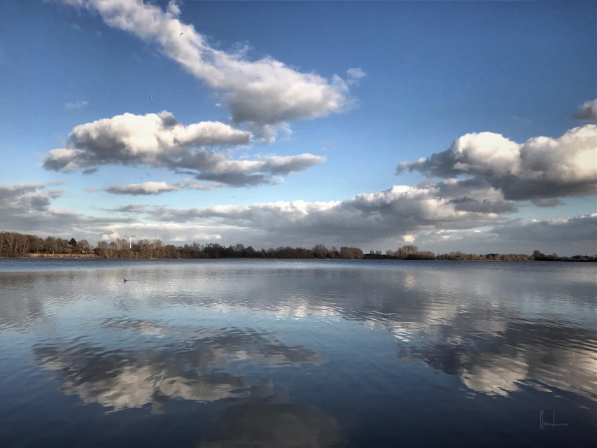#lake #lakeview #clouds #cloudsandsky #reflection #iphoneography #nature #silence