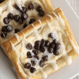 freetoedit chocolate chocolatechips creamcheese danish
