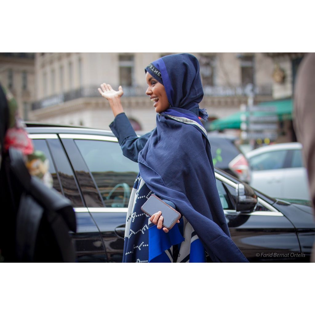 The «hijabers» , another beautiful young model @halima at Opera Garnier @opera after Stella Mccartney's  show #pfw19  #fw20 #paris #streetstyle #fashion #hijab #stellamccartney #halima #girlswithattitude #badassery #inthemoment #faridbernatortells #photography #streetsnaps #colors #allrightsreservedtotheirrespectiveowner  #nofreephotos @fboparis