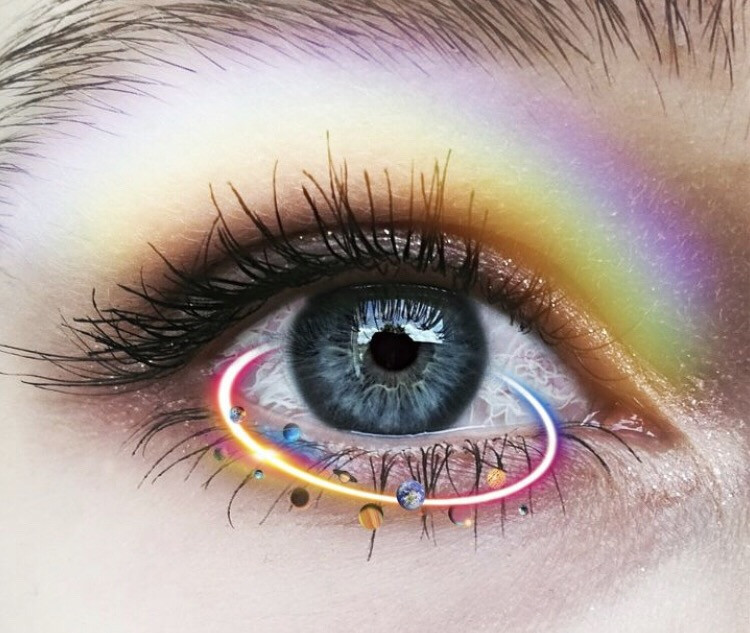 #MOTD 💄✨ Products used to achieve this look: ❶ A touch of the Rainbow Brush on the lid. ❷ A Neon Sticker to accent the iris. Average time to complete start-to-finish: 2 minutes! Shoutout to @martinezyamila275 #eye #eyeedit #rainbowbrush #orbit #FreeToEdit