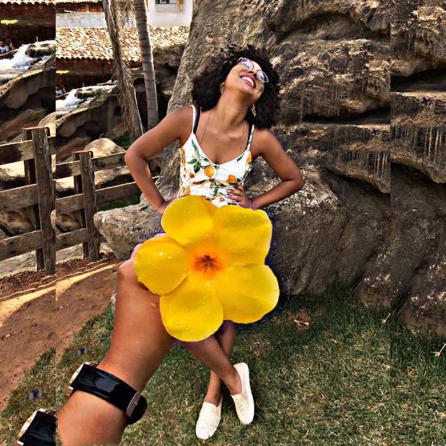 #cachos #cacheada #cacheadasbr #cacheadas #interesting #freetoedit #piscart #natureza #flores🌸 #flores #cachosnaturais