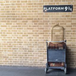 unsplash harrypotter platform934 hogwartsexpress freetoedit