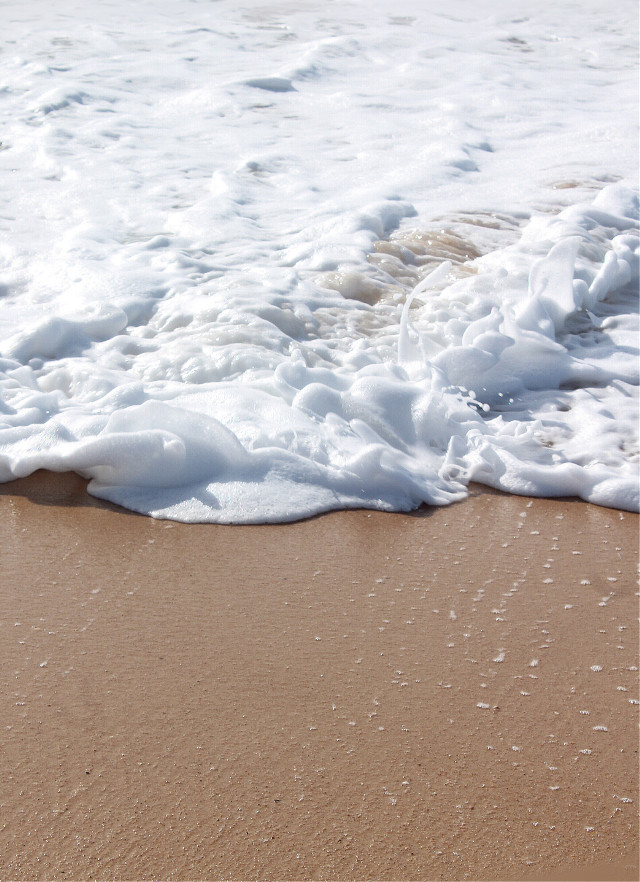 #wave #spreading in the #sand #foam #seafoam #beachsand #closeup #keepitsimple #beachvibes #naturephotography  #freetoedit