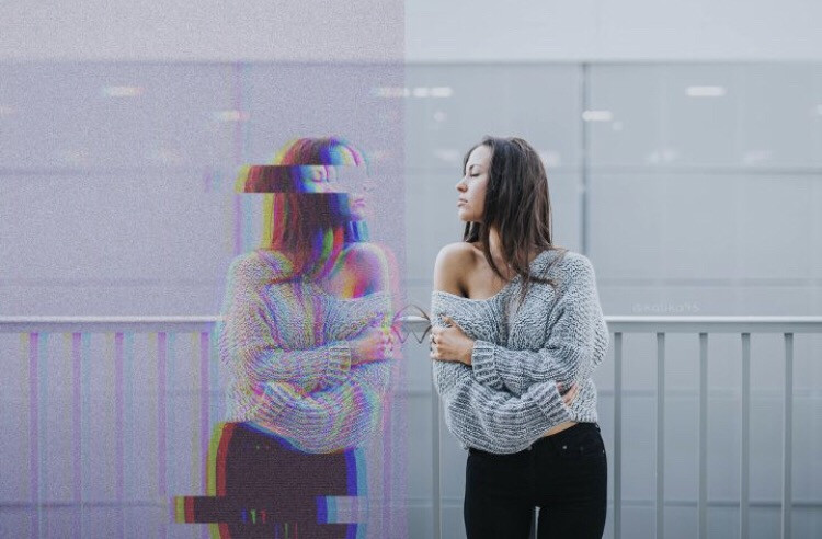 What do you see when you look at yourself in the mirror? 🤔 Show us your creative edits with #Mirrored  Edit by @kalika95 #mirror #glitch #selection #wave #freetoedit