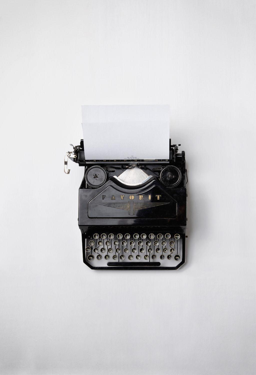 Bring a splash of creativity to this image! Unsplash (Public Domain) #vintage #typewriter #retro #freetoedit