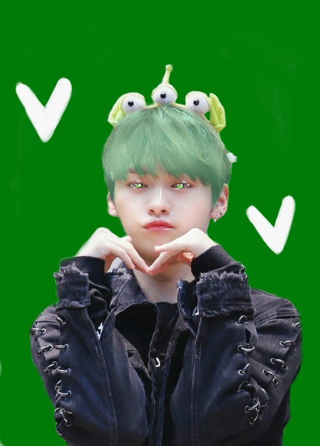 Minho~  (green)🍃   This is a green theme manipulation edit of Minho from stray kids.   I'm still new to stray kids sO-    😌✌️   Bye my little editors 💜 💜  Tags~ #minho #straykids #straykidsminho #green #aesthetic #greenaesthetic #manip #manipulation #kpop #kpopedit