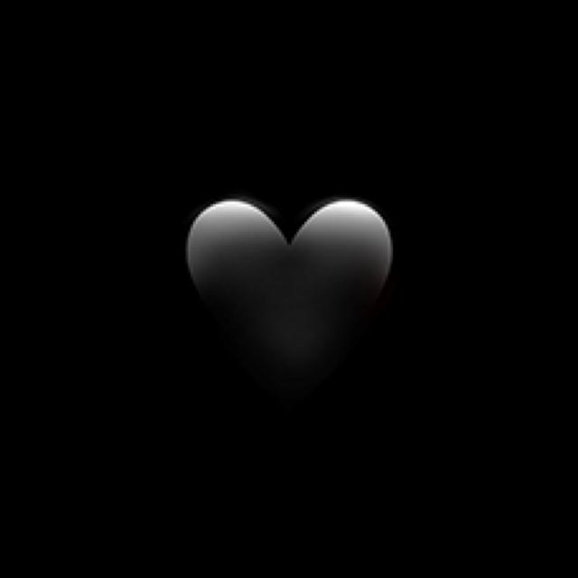 #heart #black #blackheart #emoji #iphone #iphoneemoji #iphonesticker #crown #heartcrown #blackheartcrown #blackcrown #freetoedit